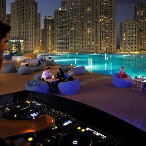 DUBAI-pisina
